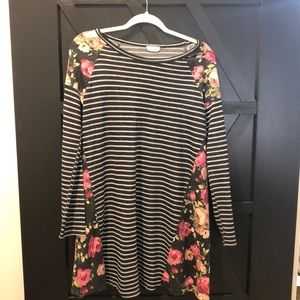 Floral/striped long sleeved tunic